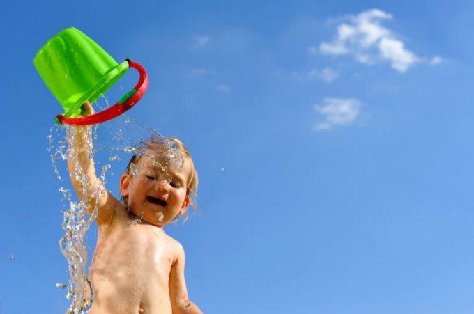 Комаровський розвінчав міф про користь обтирання холодною водою