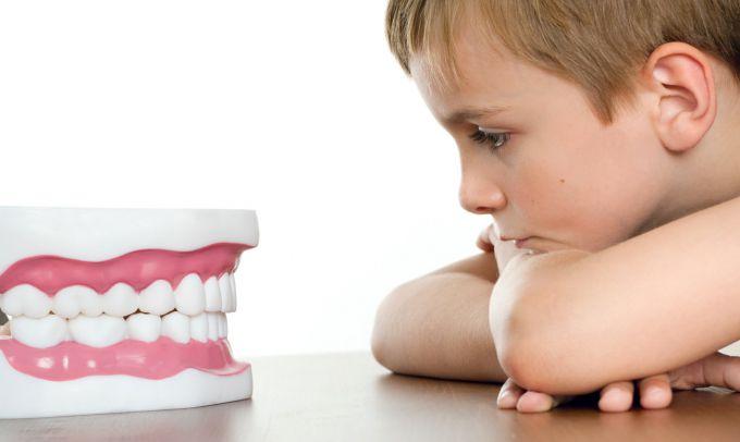 У дитини зламався зуб: як надати першу допомогу?