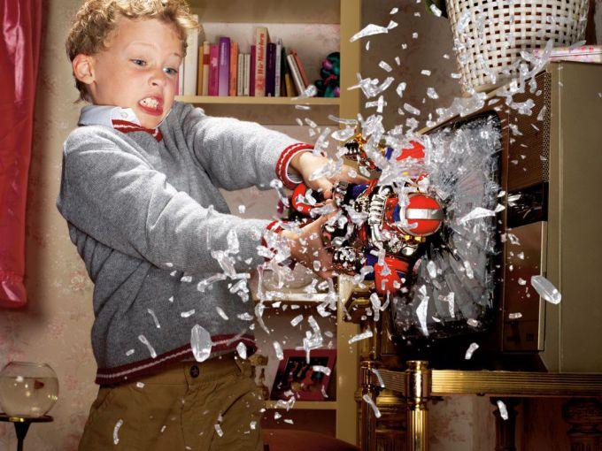 Дитина ламає іграшки: вчимо дітей бережливості
