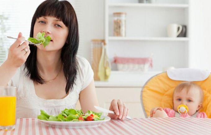 Що не можна їсти  годуючій мамі