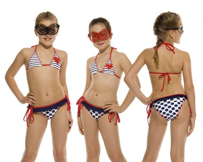 Найкращі моделі купальників для дівчаток: літо 2016