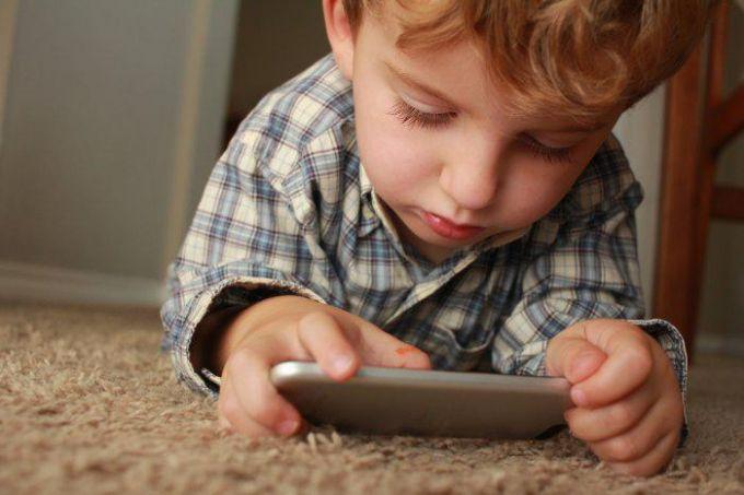 Дітям корисніше нудьгувати, ніж сидіти в смартфонах - психологи