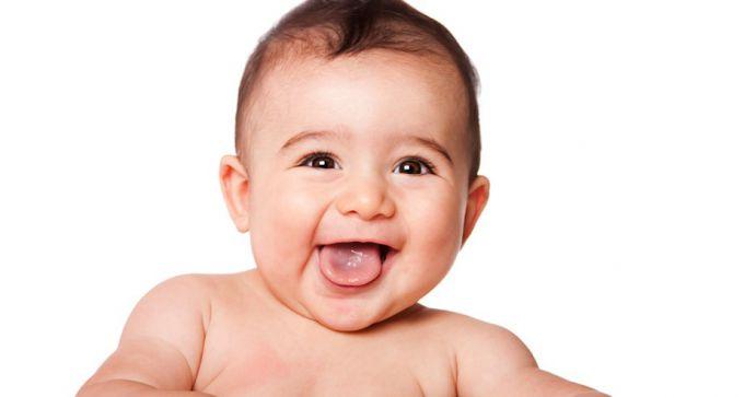 Чому на язиці у дитини з'являється жовтий наліт