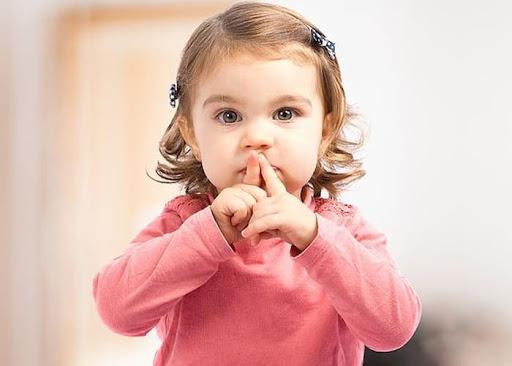 До якого віку дитина повинна почати говорити?