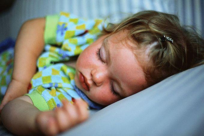 Як укласти дітей спати без проблем: поради фахівців