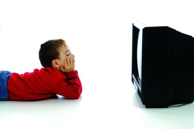 Діти і телевізор. Що таїть у собі блакитний екран?