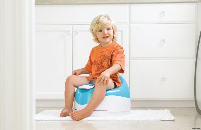 4 варіанти привчити дітей до горщика