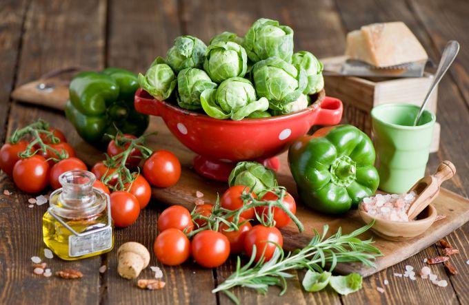 Чому дітям і дорослим потрібно їсти помідори?