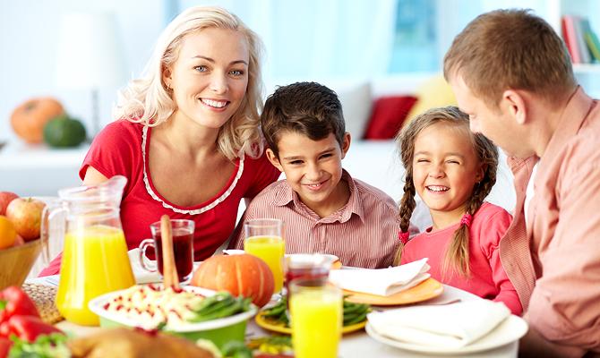 Як сімейні вечері впливають на підлітків?