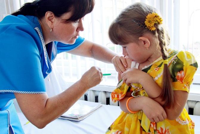 Як і коли потрібно робити щеплення для дітей