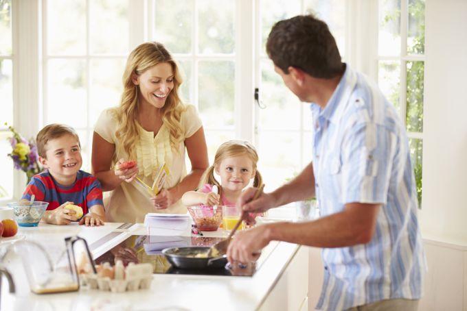 Як навчити дитину їсти здорову їжу
