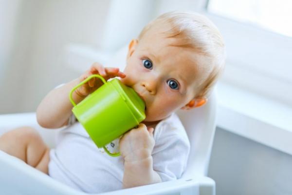 Компот із сухофруктів для дітей першого року життя: користь чи шкода?