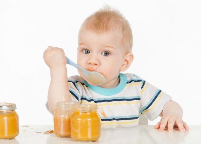 Фрукти і фруктові пюре для грудної дитини