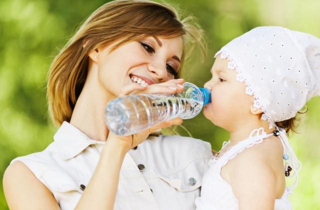 Скільки води на добу потрібно пити дітям?
