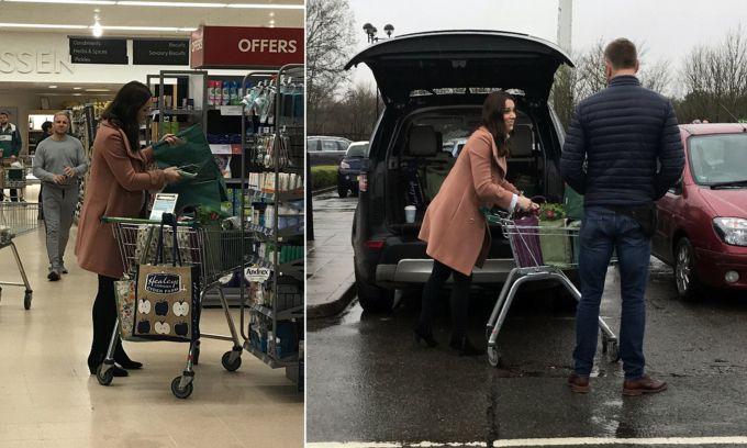 Втретє вагітна Кейт Міддлтон розгулює супермаркетом (ФОТО)