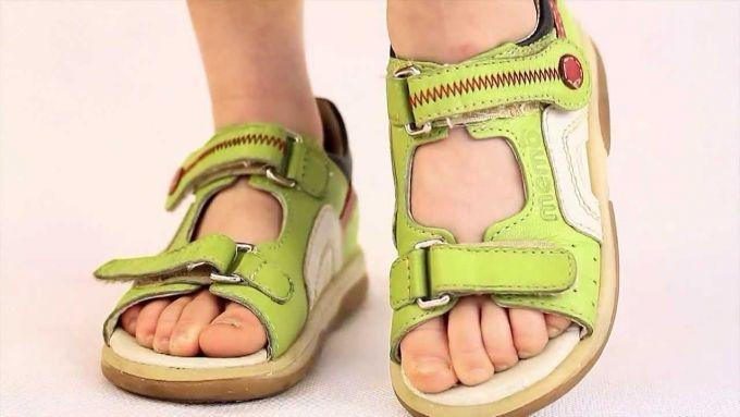 Літнє взуття, яке небезпечне для дітей
