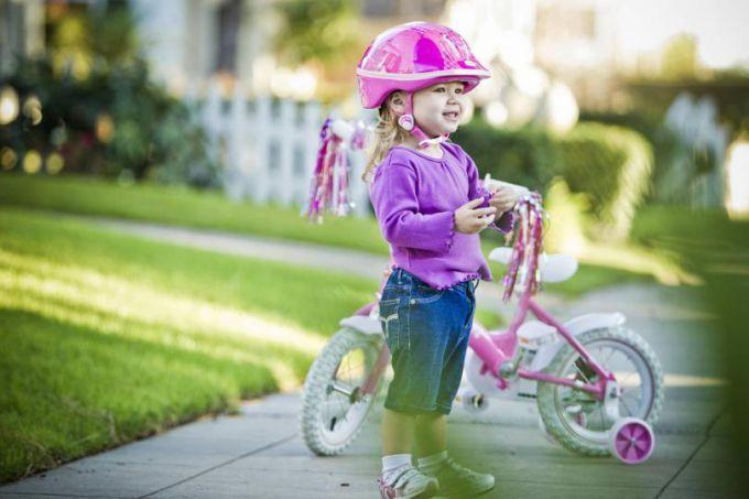 Вчимо дитину кататись на велосипеді