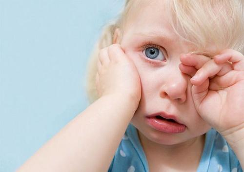 Біль у вусі у дитини: перша допомога