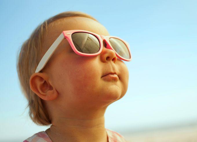 Сонцезахисні окуляри для дітей. Які обрати?