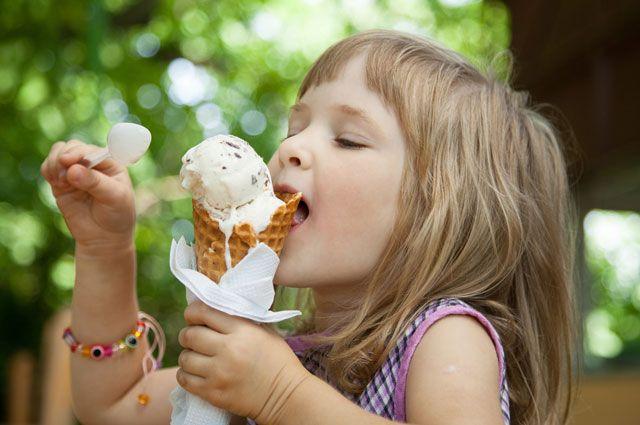 З якого віку дітям можна давати морозиво?