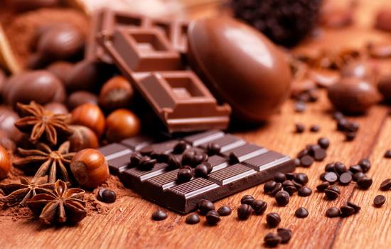 Дослідники пояснили, чому чоловіки обожнюють шоколад