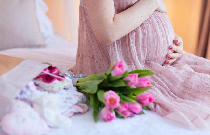 Плюси і мінуси пізнього материнства