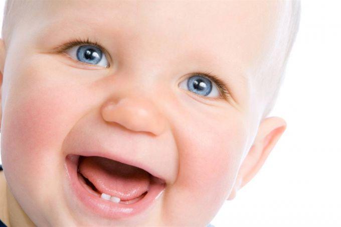 Пeрші зубки у дитини