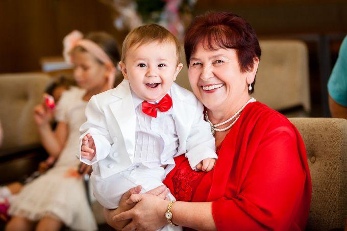 Найкращі няні для дітей - бабусі