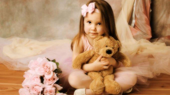Які іграшки краще подарувати дівчинці?