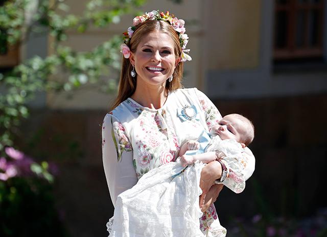 Принцеса Швеції Мадлен похрестила третю дитину (ФОТО)