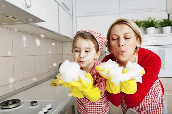 Доктор Комаровський пояснив, чому не можна тримати дітей в чистоті