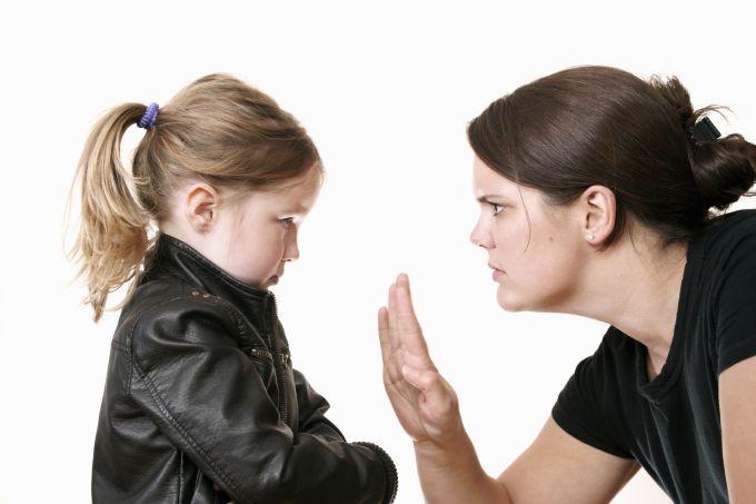 Чому не можна бити дітей? 5 причин
