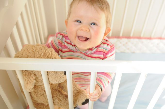 bigstock-little-baby-in-a-crib-21567026-1024x680.jpg (34.6 Kb)