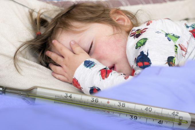 Фебрильні судоми у дітей: як допомогти?