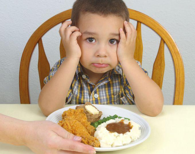 Що робити, коли дитина не їсть в дитячому садку