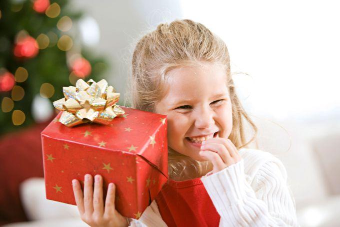Подарунки для дітей: як вгадати, що хоче малюк?