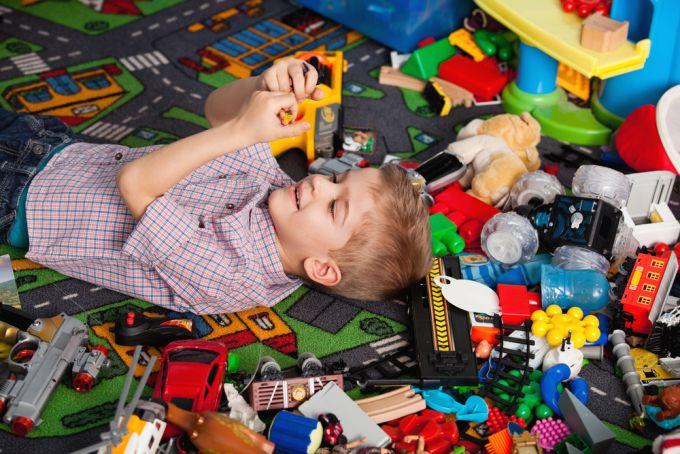 Скільки іграшок має бути в дітей?