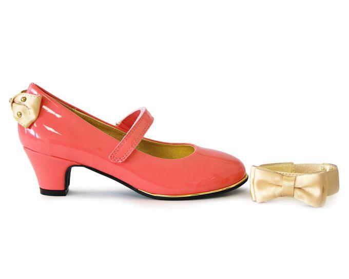 Взуття для дітей. Вибираємо дівчачі туфлі