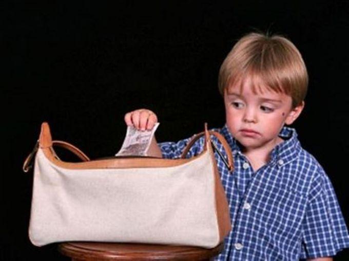 Дитина почала красти: що робити?