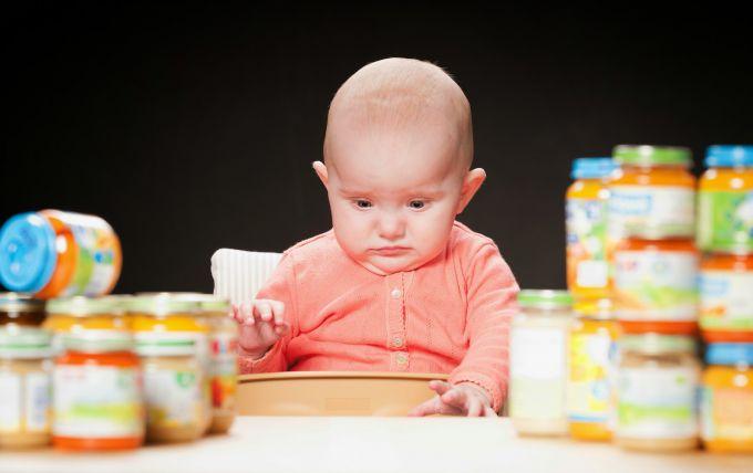 Який сік вводити в прикорм дітей першим