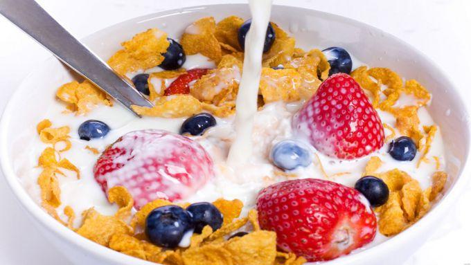 Плюси і мінуси сухих сніданків для дітей
