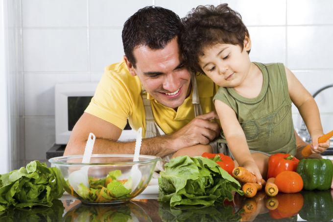 Чому дітям і дорослим краще харчуватися однаково