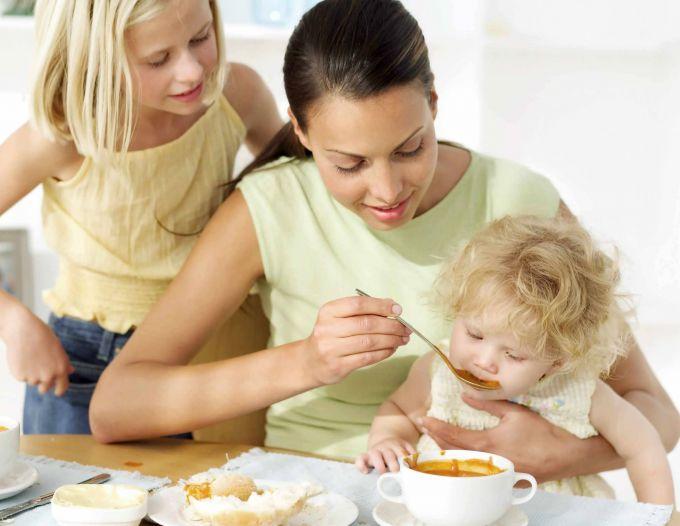 3 причини, чому не можна змушувати дітей їсти