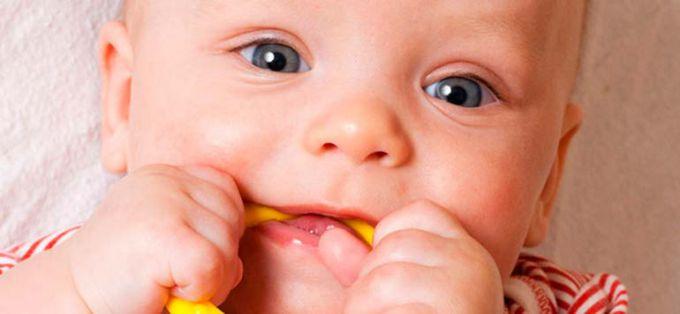 Ріжуться зубки: вибираємо прорізувач для зубів