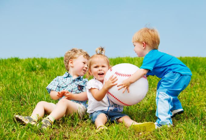 Жадібність дітей: як їх перевиховати? Поради психолога