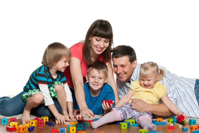 sf-family-playing-blocks.jpg всиновлення