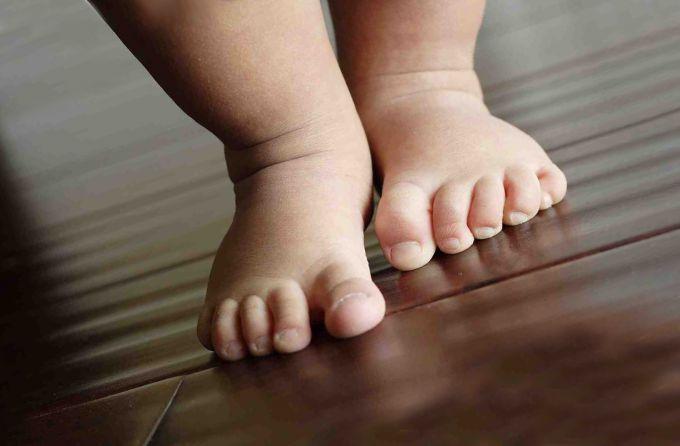 Чому у дітей мерзнуть ноги? 6 причин