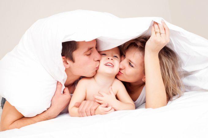 Помилки, які роблять батьки при вкладанні дітей спати