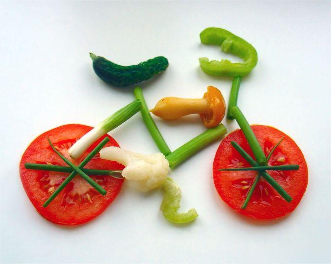 velosiped-iz-ovoshhey1.jpg (40.11 Kb)